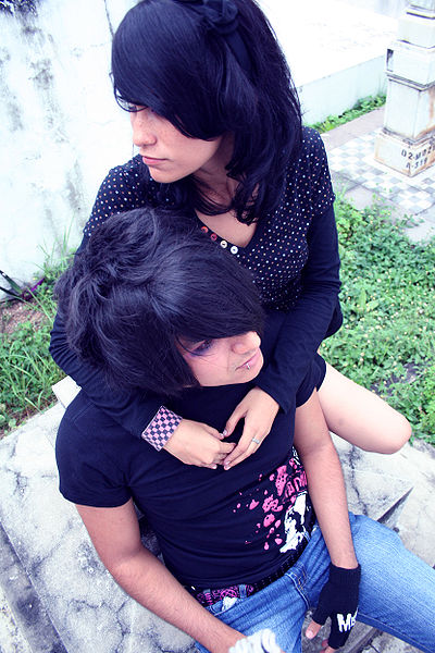 400px-Emo_boy_02_with_Girl